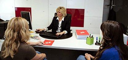 Asesoramiento y tramitación de seguros, gerencia de riesgos y gestión laboral, fiscal y contable para particulares, autónomos y empresas en La Puebla de Alfindén